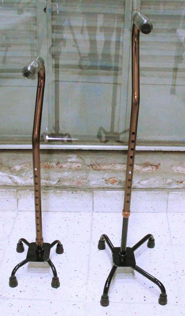 baston de 4 patas