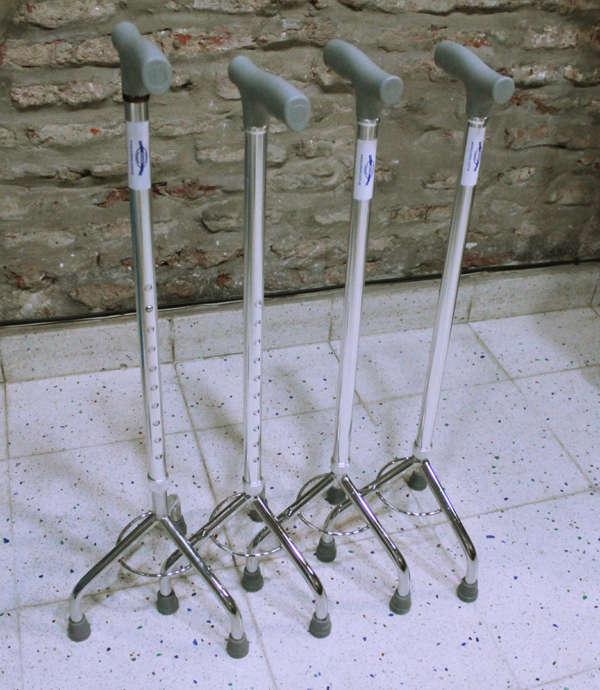 baston de 3 patas